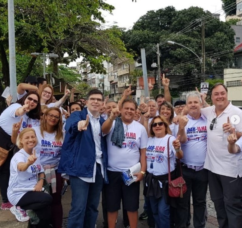 Luciano na Ilha do Governador com Marcello Oliveira e Fred Mendes ao lado do presidente Luiz Carlos Varanda e do nosso candidato pela Chapa 1 para a presidência da OAB/Ilha, Franklin Barretto, numa grande caminhada